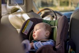 child-left-alone-in-car
